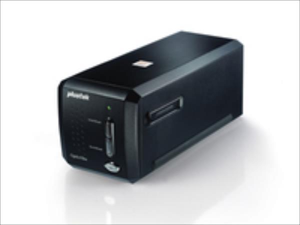 Plustek  OpticFilm 8200i SE 7200dpi/LED/iSRD/SilverFast SE skeneris
