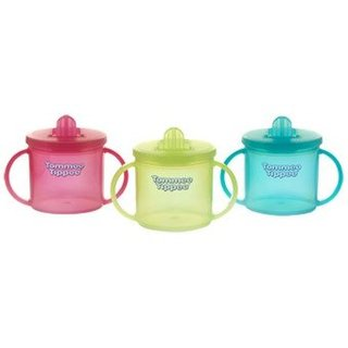 TOMMEE TIPPEE First Cup (4 months+) 43111050 piederumi bērnu barošanai