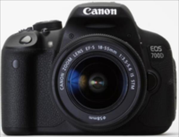 Canon EOS 700D EF-S 18-135 IS STM Spoguļkamera SLR