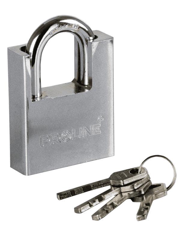 Proline Piekaram slēdzene pastiprināta 50mm 4 atslēgas