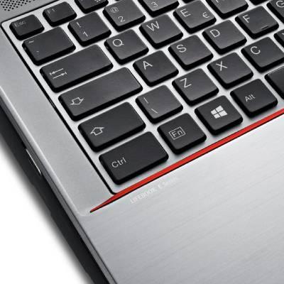 "Fujitsu LIFEBOOK E733 QM77 i5-3340M/ 4GB/ 128GB SSD/ 13,3""/ Win8Pro/ Portatīvais dators"