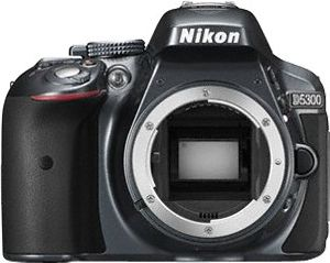 Lustrzanka Nikon D5300 + 18-55 AF-P DX VR (VBA370K007) Nikon D5300 + AF-P 18-55 VR Spoguļkamera SLR