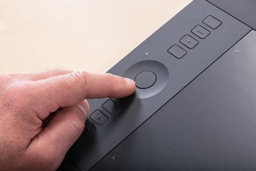 WACOM Intuos Pro M EN & ES - PTH-651-ENES grafiskā planšete