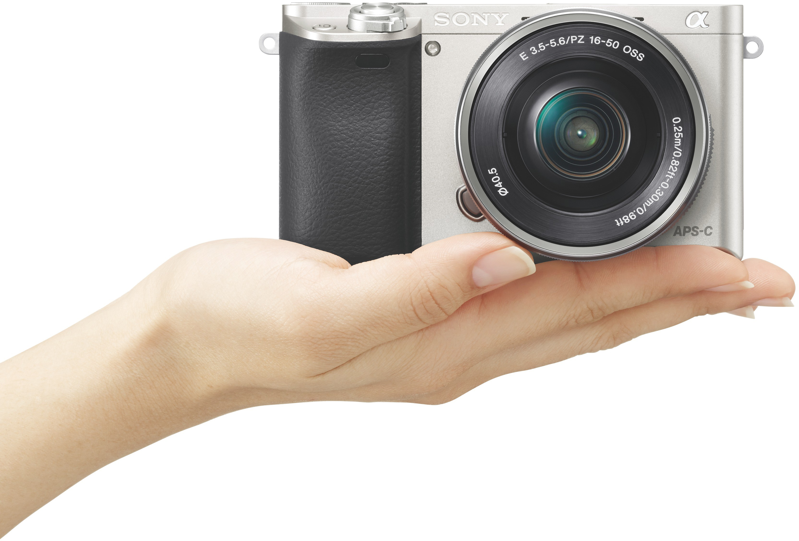 Sony A6000 Standard Zoom kit, Silver Spoguļkamera SLR